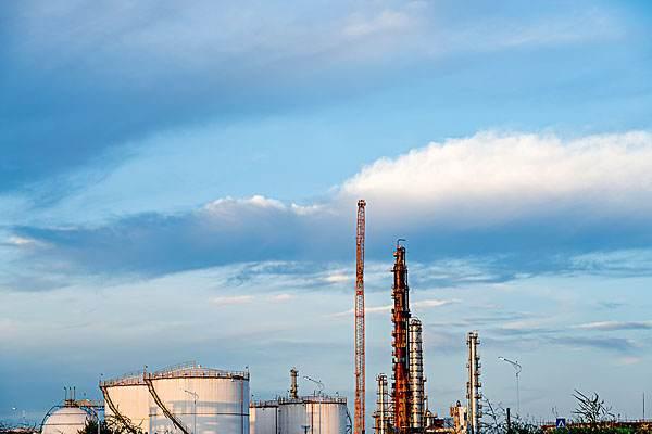 化工厂图片2