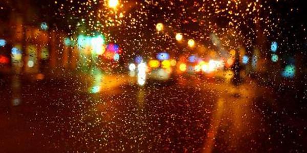 北京一垃圾车雨夜偷排渗沥液