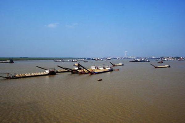 长江河道采砂